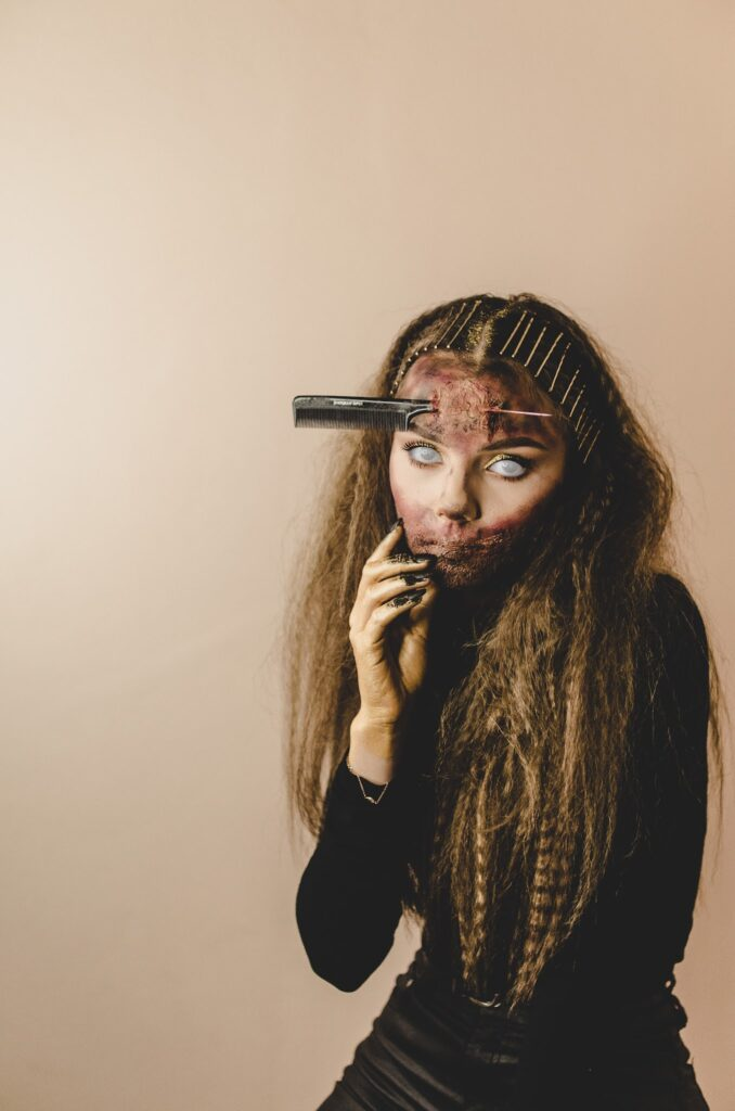 Best Halloween costume ideas withscary girl